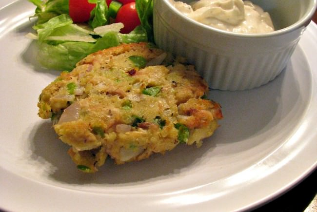 Tuna Cakes with Garlic Lemon Aioli